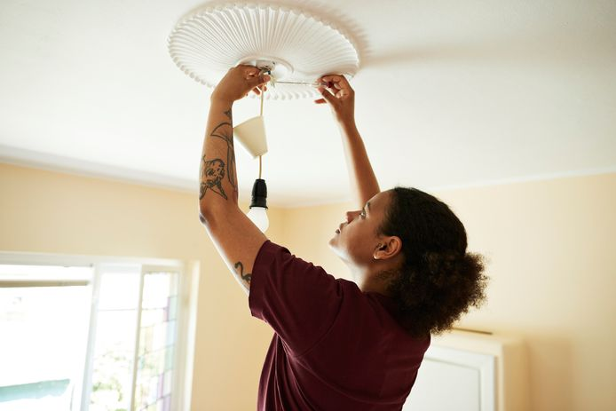 Jonge huizenkopers die kunnen worden geholpen door ouders of andere familieleden hebben een voorsprong op starters die er alleen voor staan.