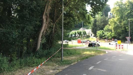 De Ubbergseweg in Nijmegen is met linten afgezet.