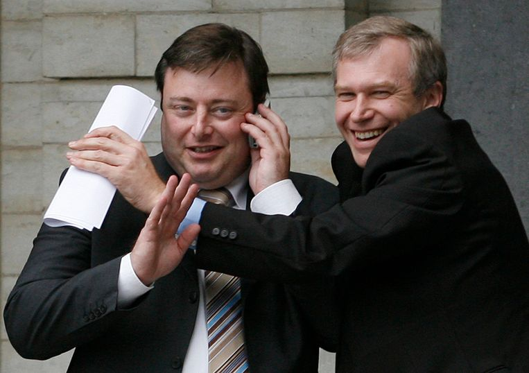 Met Yves Leterme (CD&V), toen nog kartelpartner. 'De Wever stak boven de concurrentie uit. Hij was, sinds Guy Verhofstadt, de eerste politicus die een ideologie in de markt zette.'  Beeld BELGA