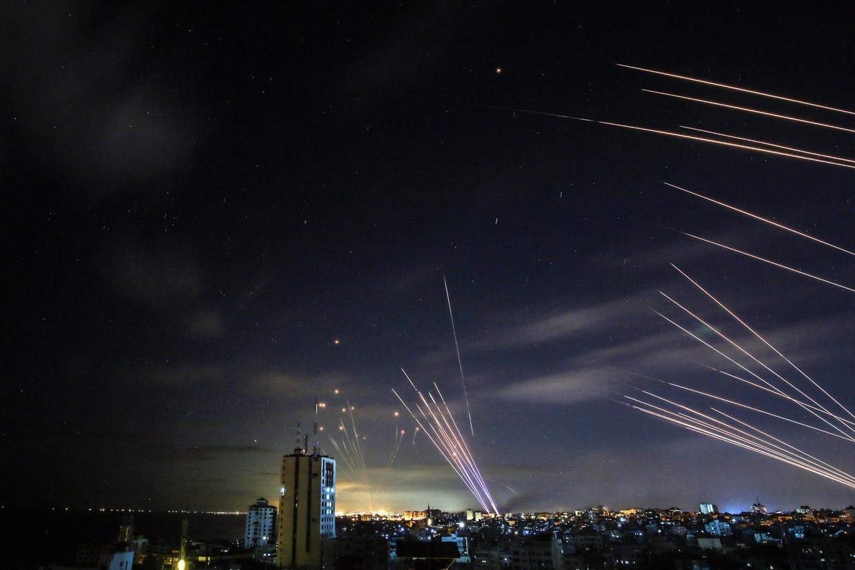 De 'Iron Dome', het Israëlische raketafweersysteem, onderschept raketten van Hama.