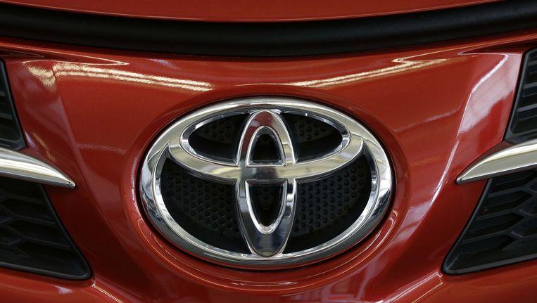 Het Toyota-logo op een auto tijdens een autoshow in Pittsburgh Beeld ap