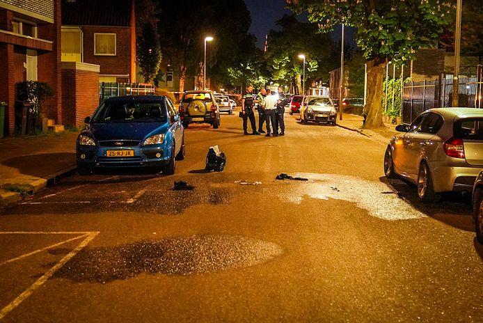 De Van Thienenlaan in Eindhoven waar vrijdagavond een brandende man een huis invluchtte en vervolgens op straat in elkaar zakte. Afgelopen nacht is hij aan zijn verwondingen overleden.