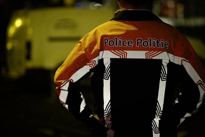 Bij huiszoekingen vond de politie iets meer dan 8.000 euro.