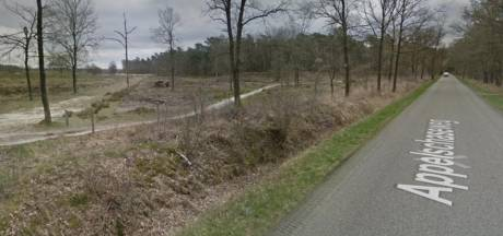 Mountainbikers ontdekken en verwijderen ijzerdraad dat over fietspad langs Drents-Friese Wold gespannen was
