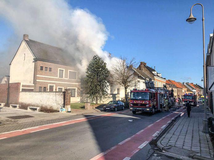 De zware brand langs de Steenweg in Eke.