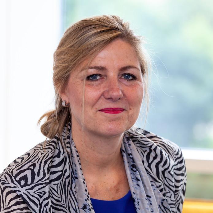 Yolande Ulenaers trad op 1 december 2018 aan als bestuursvoorzitter bij het Koning Willem I College. Wegens een verschil van inzicht met de Raad van Toezicht houdt ze het op 15 december alweer voor gezien.