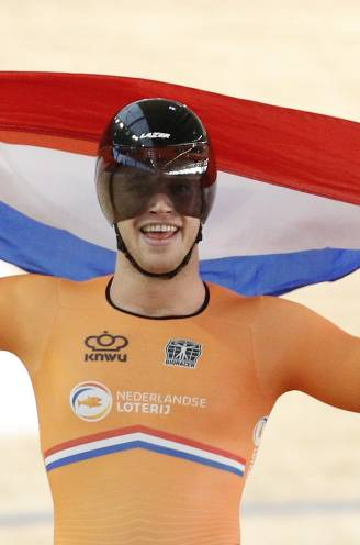 Lavreysen wint weer sprintgoud in finale tegen Hoogland: 'Jeffrey legde zich al neer bij het verlies'