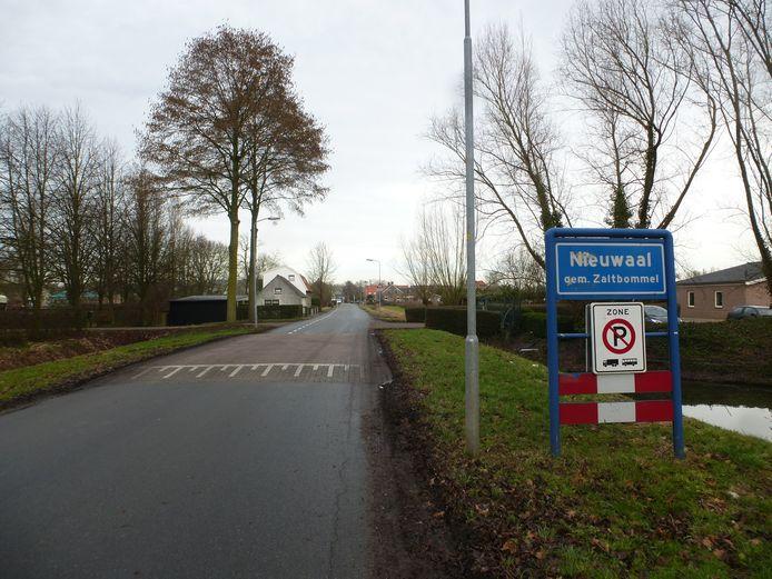 De voorzieningenrechter in Arnhem maande de gemeente Zaltbommel gisteren om in actie te komen tegen de illegale bewoning van units aan de Beemstraat in Nieuwaal.