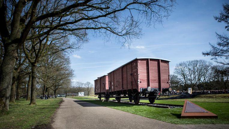 Originele goederenwagons op het herinneringscentrum Kamp Westerbork die waarschijnlijk voor de deportatie van Joden, Sinti en Roma zijn gebruikt. Beeld anp