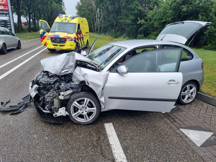 Ter hoogte van het tankstation in de N18 hebben de afgelopen weken meerdere ongelukken plaatsgevonden. Een oorzaak blijkt lastig aan te wijzen en een eventuele oplossing daardoor ook.