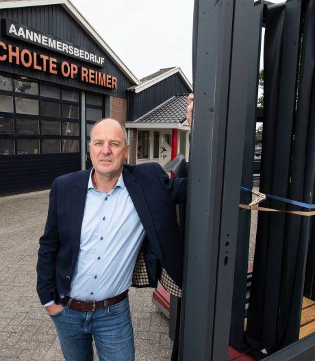 Aannemer uit Albergen is een eeuw oud, maar wil niet koninklijk zijn: 'Wij doen liever gewoon'
