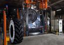 Apollo Vredestein investeerde dit jaar in een nieuwe machine voor de bouw van trekkerbanden tot 2.30 meter doorsnede.