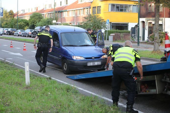 Politie zet achtervolging in bij een vermoedelijke inbraak in Voorschoten.