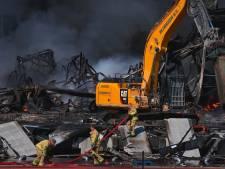 Van der Heijden Transport wil snel aan de slag na grote brand in Hapert: 'Dinsdag gaan we gewoon rijden'