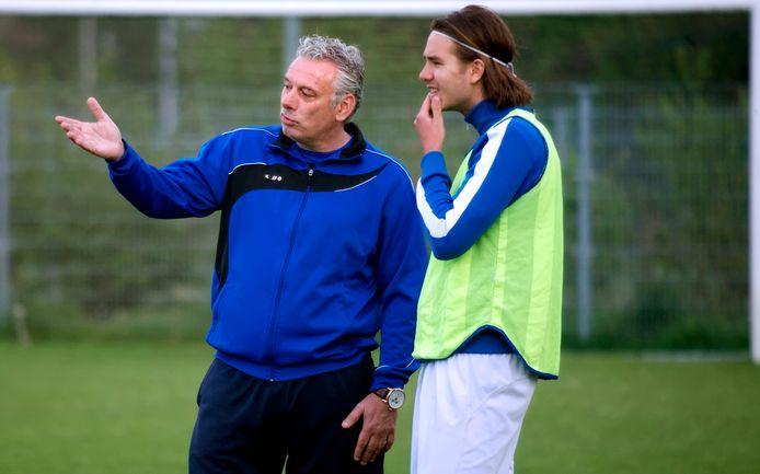 Peter Remie als trainer van destijds eersteklasser JEKA, waar hij tussen 2011 en 2014 hoofdtrainer was. (archieffoto)