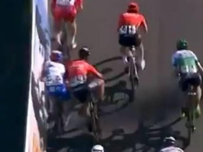 Bouhanni twee maanden geschorst na kwak aan Stewart in volle sprint
