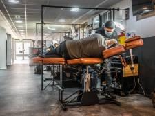 Drukte bij de rijschool en de tattooshop: 'Voor sommige artiesten moet je nu 2,5 maand wachten'