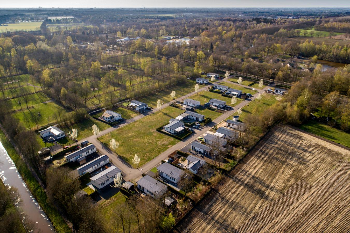 Een aantal van de woningen op Dierenbos in Vinkeloord.