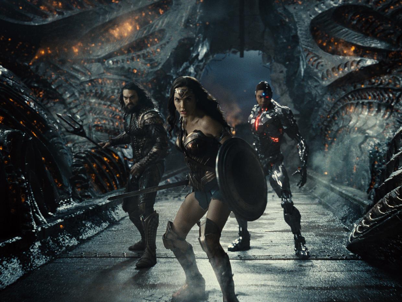 Jason Momoa (Aquaman), Gal Gadot (Wonder Woman) en Ray Fisher (Cyborg) in Zack Snyder's Justice League. Beeld HBO