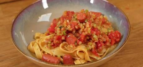 Koken met Blik: deze pasta met knakworstjes is helemaal kidsproof