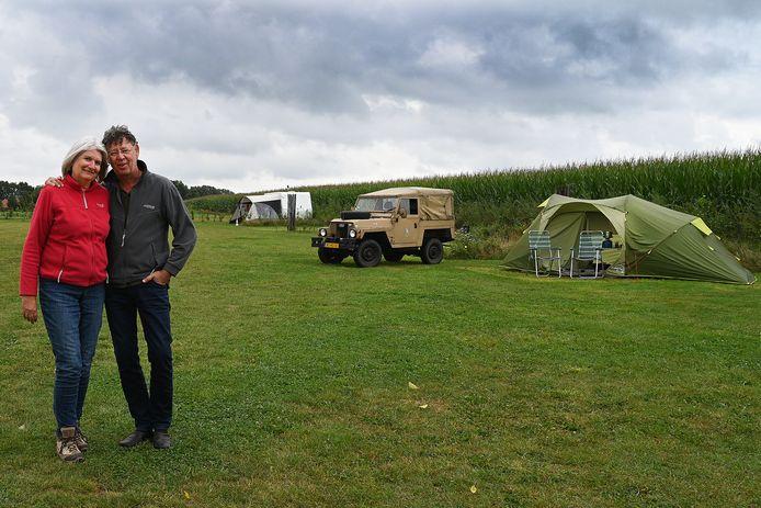 Bertie Myriam Tilmans kamperen in Vortum-Mullem.  Gisteren met de lange broek aan.
