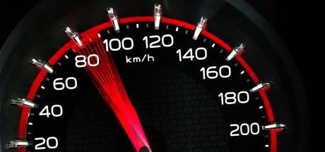 Automobilist rijdt veel te hard langs snelheidscontrole in Berlicum