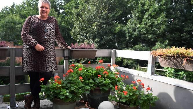 """Ex-coronapatiënte Kristien (52) kampt half jaar later nog met gezondheidsproblemen: """"Mijn stembanden waren over elkaar gegroeid"""""""