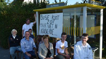 Ludiek protest tegen verdwijnen schoolbus