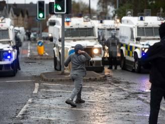 Negentien agenten gewond tijdens nieuwe avond vol rellen in Belfast: VS roepen op tot kalmte