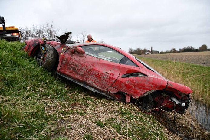 De Ferrari verloor een wiel als gevolg van het ongeluk.