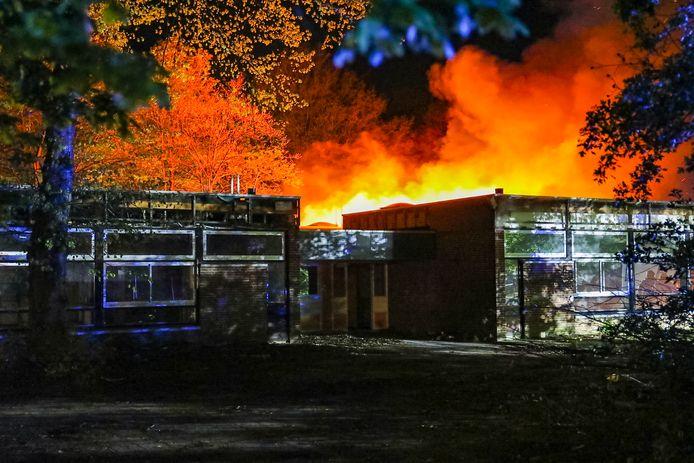 De brand in het schoolgebouw in Apeldoorn.