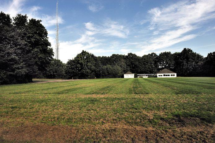Het voormalige voetbalveld/sportpark Pagnevaart, waar straks de nieuwe woonwijk De Groene Vaart ontwikkeld wordt. Op de achtergrond de kantine.