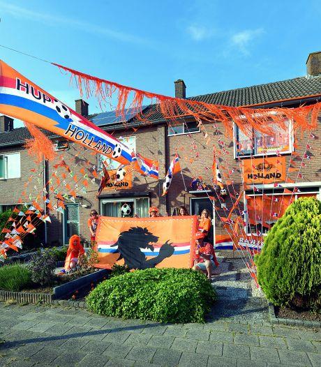 Oranjegekte in jouw buurt: 'Zondagavond zitten we in vol ornaat voor de tv'