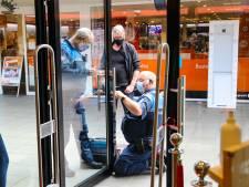 Apeldoornse kledingwinkel mag na ongehoorzaam gedrag weer open