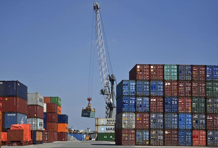 Containers in de haven van Antwerpen.