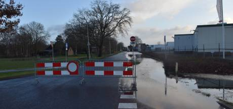 Waterleidingbreuk Zomerdijk in Meppel gerepareerd