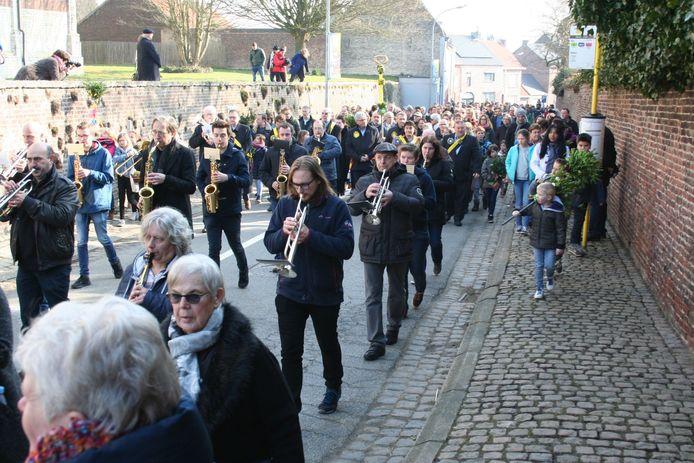 Muzikanten gevolgd door de massa: nog een beeld dat we dit jaar niet te zien krijgen