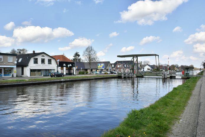 In september weten bewoners of de schades een gevolg zijn van werkzaamheden aan het kanaal.