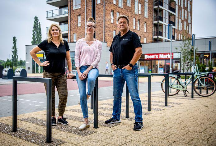 Drie ondernemers bij de Markt van Matena, vlnr: Jolanda Raven, Marieke van Tilburg en Theo Klaasman.