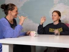 Mae (12) uit Schijndel is doof en woont op internaat in Groningen: 'Een snelle knuffel van mama, dat mis ik het meeste'