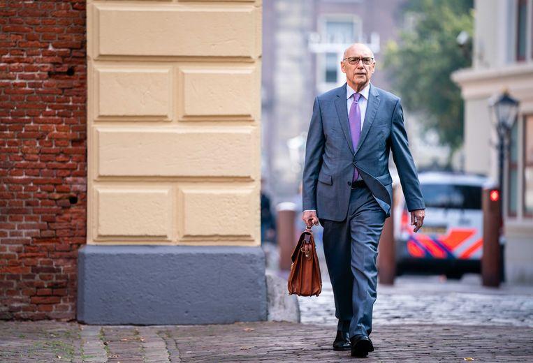 Minister Tom de Bruijn van Buitenlandse Zaken (D66) vrijdagochtend bij aankomst op het Binnenhof voor de wekelijkse ministerraad.  Beeld ANP - Bart Maat