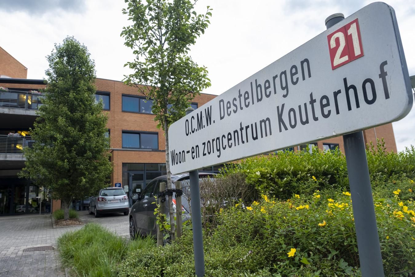 Woon- en zorgcentrum Kouterhof in Destelbergen werd maandag opgeschrikt door de verdachte dood van een bewoner.