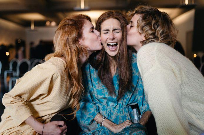 Deze foto werd gemaakt op de afscheidsceremonie van de mama van Lara.