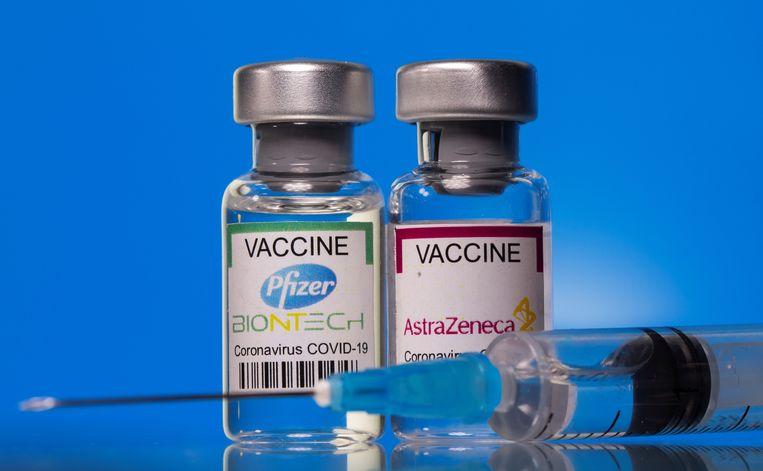 De vaccins van Pfizer-Biontech en AstraZeneca beschermen tegen de agressieve Braziliaanse coronavariant, blijkt uit een onderzoek van de Universiteit van Oxford. Beeld REUTERS