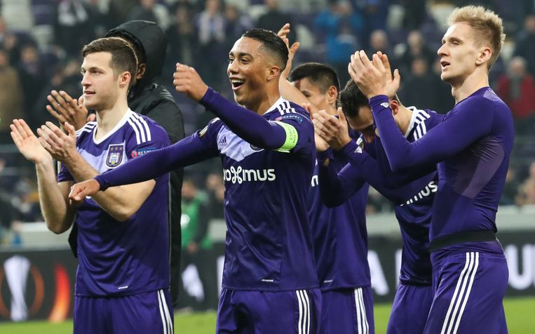 Anderlecht's Youri Tielemans celebrates after winning a game between Belgian soccer team RSC Anderlecht and Russian team FC Zenit, first-leg of the 1/16 finals of the Europa League competition, Thursday 16 February 2017, in Brussels. BELGA PHOTO VIRGINIE LEFOUR Beeld null