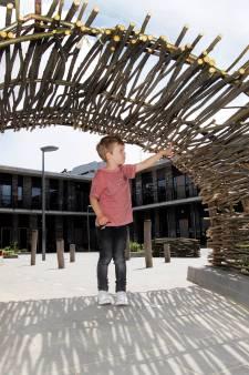 Groen schoolplein bij De Vleer in Etten-Leur: 'Leuker voor het kind én voor het milieu'