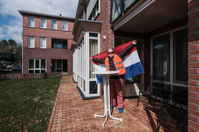 Een optreden van  Willem Jansen en Meriam Bruggink : daar hoort de Nederlandse  driekleur bij.