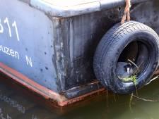 Rondvaartboot Portaal van Vlaanderen heeft toch nog een gast: een broedende meerkoet