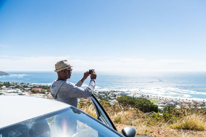 La location de voitures est de plus en plus populaire en vacances : comment éviter de payer trop cher et rester correctement assuré ?