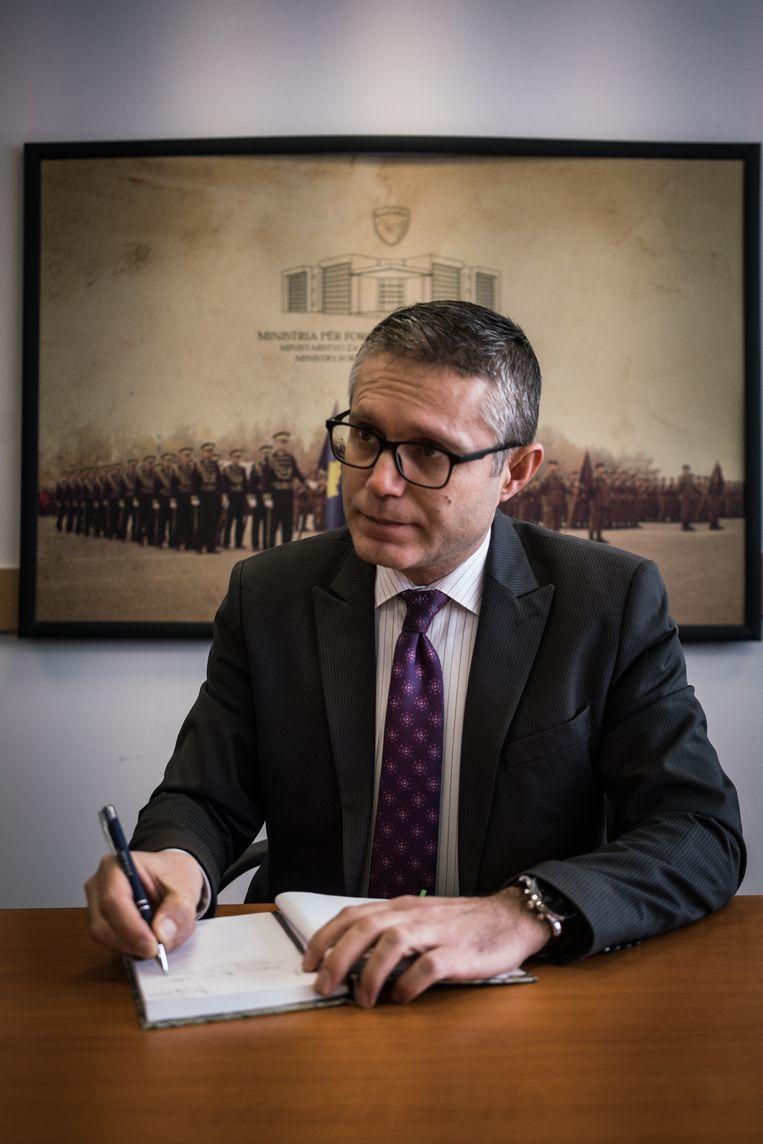 Burim Ramadani, staatssecretaris van Defensie van Kosovo. Beeld Nicola Zolin